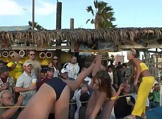 Эксгибиционисты Порно Видео